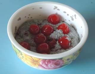 chia seed santan cherry pudding
