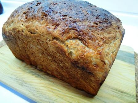 wm01ba08loaf wholemeal bread with atta flour tender moist